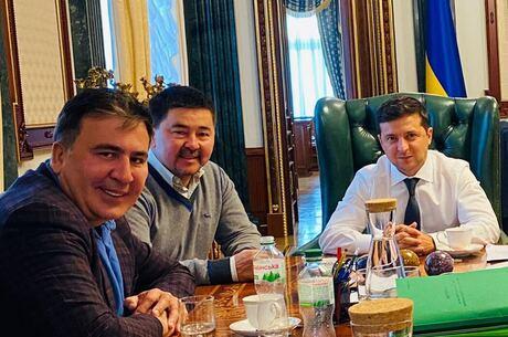 Магія Сейсембая: навіщо Володимирові Зеленському «батько» казахських фінансових пірамід