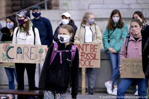 Грета повертається: шведська екоактивістка знову бере участь в акціях протесту Fridays for Future