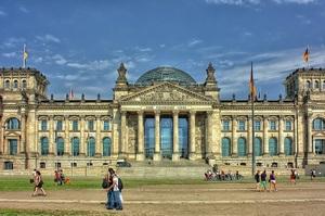 Санкції США проти компаній, задіяних в «Північному потоці 2», не є протиправними – Бундестаг