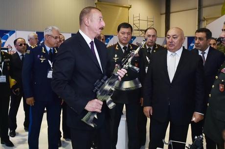 Рука, що дає: як Туреччина допомагає Азербайджану в Карабаху