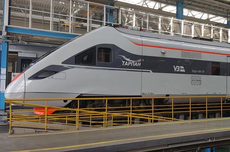 «Укрзалізниця» планує відремонтувати двоповерхові потяги Skoda