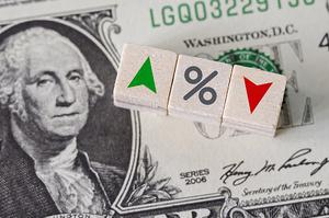 Нацбанк утричі зменшив продаж валюти на міжбанку