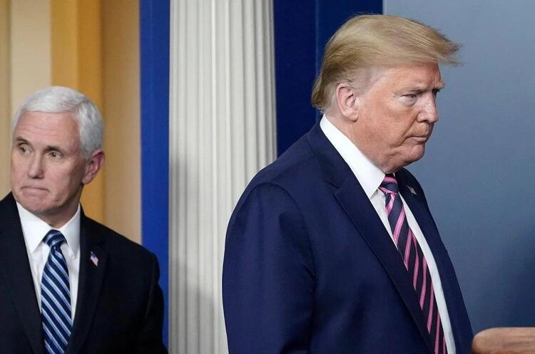 Трамп повідомив, що знімає гриф «секретно» з документів про розслідування його зв'язків з РФ