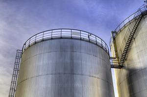Експорт нафти з РФ у серпні обвалився в грошовому вираженні більш ніж удвічі