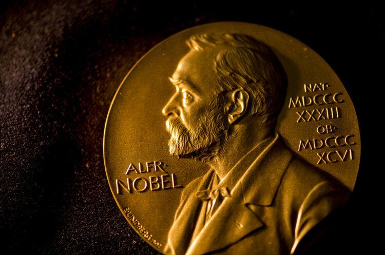 Итоги нобелевской недели: «женский десант» в науке и сытость как синоним мира