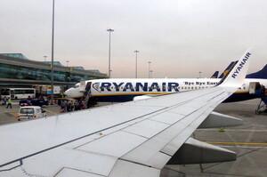 Ryanair скорочує обсяг зимових перевезень на третину через нові обмеження по COVID-19