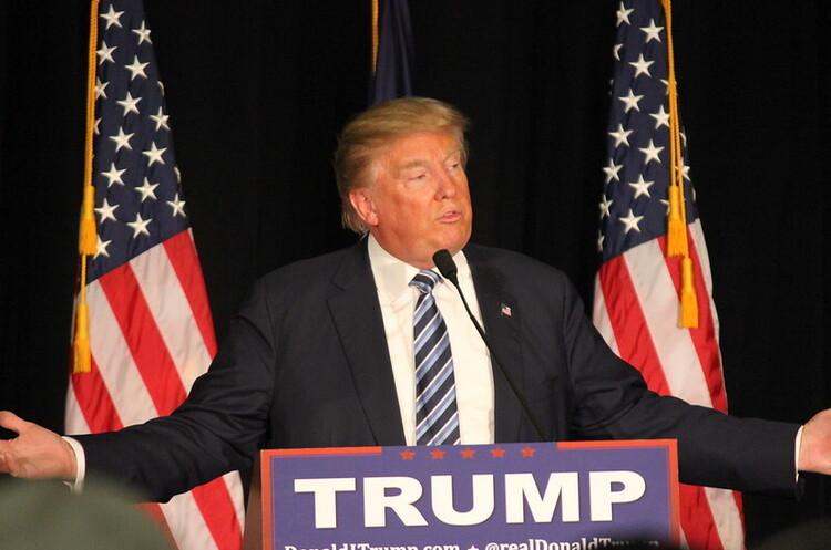 Трамп пригрозив ЄС «сильнішим ударом», якщо блок введе мита на $4 млрд на товари із США