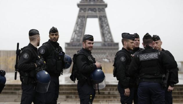 Після вбивства вчителя Франція планує вислати понад 200 потенційних екстремістів — Reuters