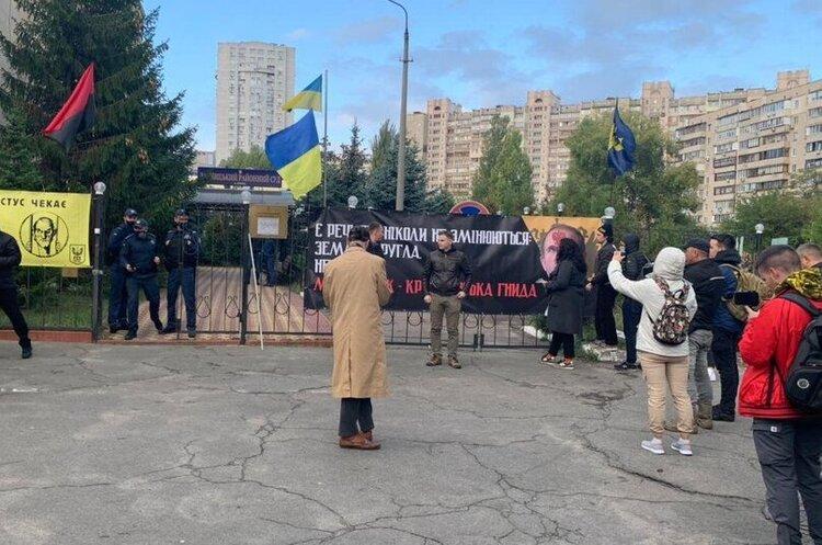 Медведчук через суд заборонив розповсюдження книги про Стуса