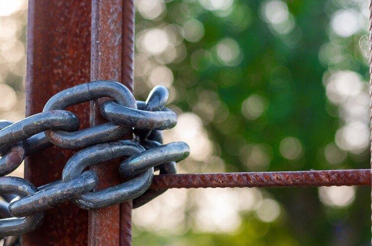 Посторонним вход воспрещен: почему новые ЖК закрывают свои территории