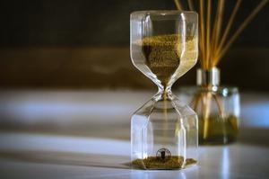 Вчені виміряли найкоротшу одиницю часу, яка складає одну трильйонну мільярдної секунди