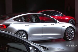 Tesla планує експортувати китайську Model 3 в Європу вже цього місяця