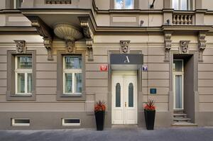 У Празі відкрили перший готель для хворих на коронавірус