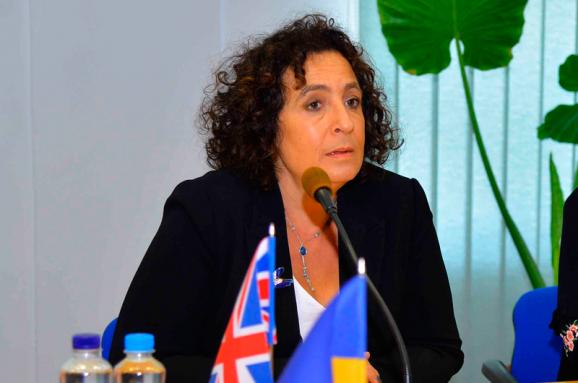 Британія відправить до України делегацію, яка ознайомиться з процедурою видачі українських паспортів