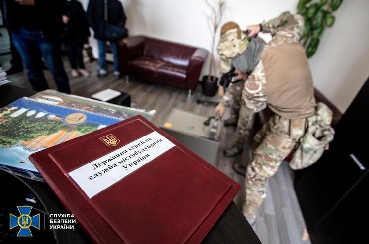 ДАБІ викрили на масштабній незаконній видачі дозвільних документів (ДОПОВНЕНО)