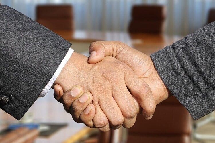 Британія уклала торгову угоду з Японією, довівши ЄС, що вона може зробити це самостійно