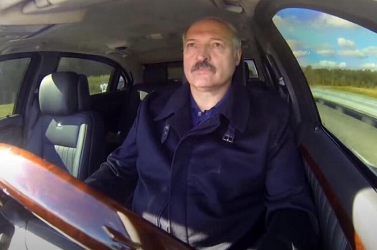 Лукашенко відмовився від мітингу на свою підтримку, оскільки люди не хочуть виходити