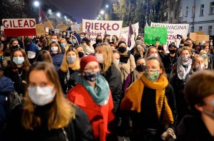 У Польщі пройшли масові протести проти заборони абортів