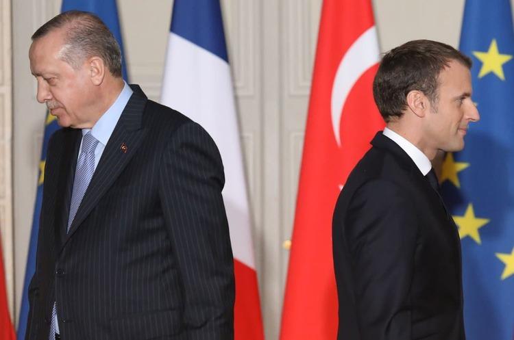 Франція відкликала посла з Туреччини