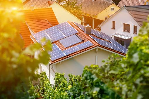 В Україні понад 27 000 домогосподарств установили сонячні панелі