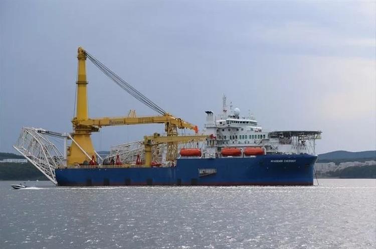 Росія знову відправляє свій трубоукладач на базу «Північного потоку – 2» в Мукран