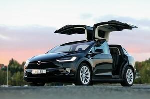 Tesla відкликає в Китаї близько 50 000 Model S і X через несправну підвіску
