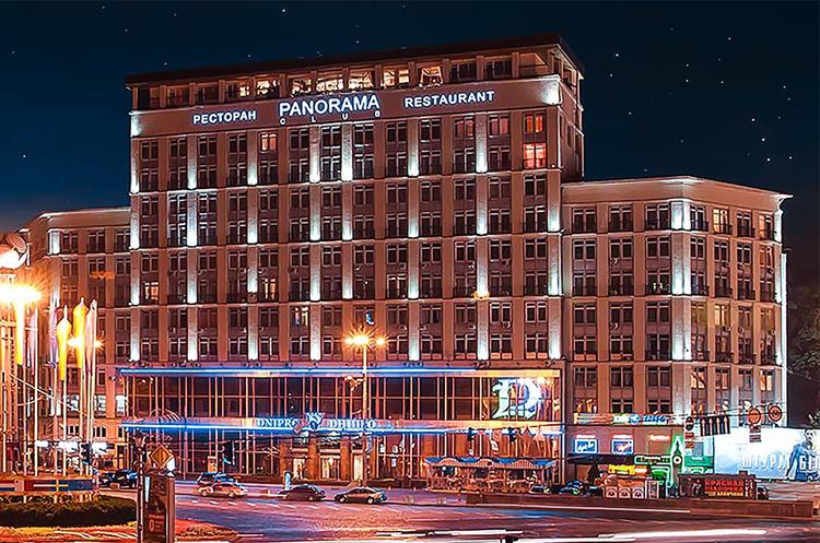 Суд змусив НАБУ завести справу про купівлю готелю «Дніпро»