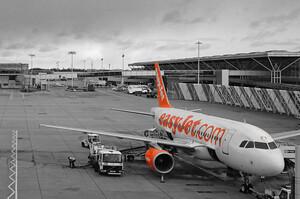 Грошей не вистачає: британська EasyJet продовжує розпродувати свої літаки