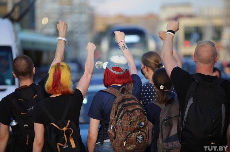 Лукашенко вимагає відраховувати з ВНЗ студентів, що беруть участь у протестах
