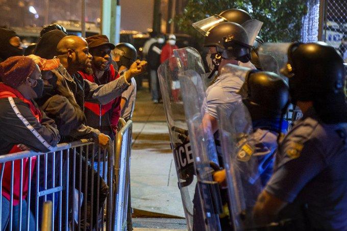 В США черговий спалах погромів після вбивства афроамериканця поліцейськими (ВІДЕО)