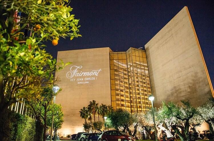 Готель Fairmont Rey Juan Carlos I в Барселоні продається за 1 євро, однак є нюанси