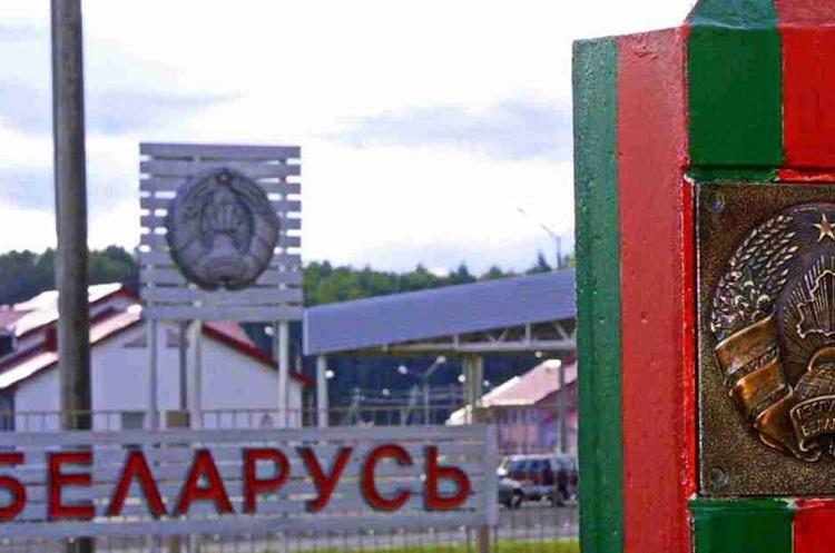 Білорусь закрила кордони з Україною і ще трьома сусідніми країнами