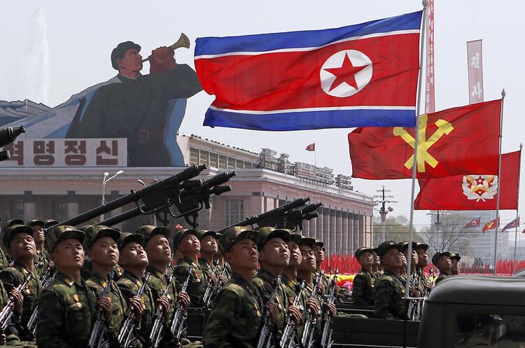 Північна Корея будує два підводні човни, один з яких здатен запускати балістичні ракети