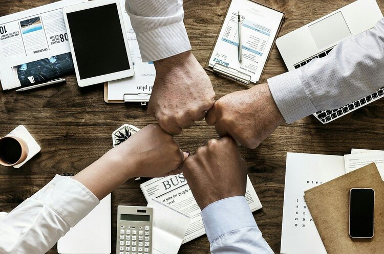 Удаленный контроль: как управлять бизнесом с помощью CRM