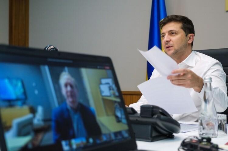 В Україні є всі умови для будівництва потужних дата-центрів – Зеленський в розмові з президентом Microsoft