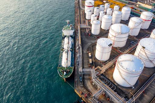 Витрати на імпорт нафтопродуктів знизилися з початку року на 37%, – Митна служба