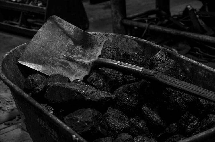 Світові банки розвитку не готові відмовитись від інвестицій у вугілля