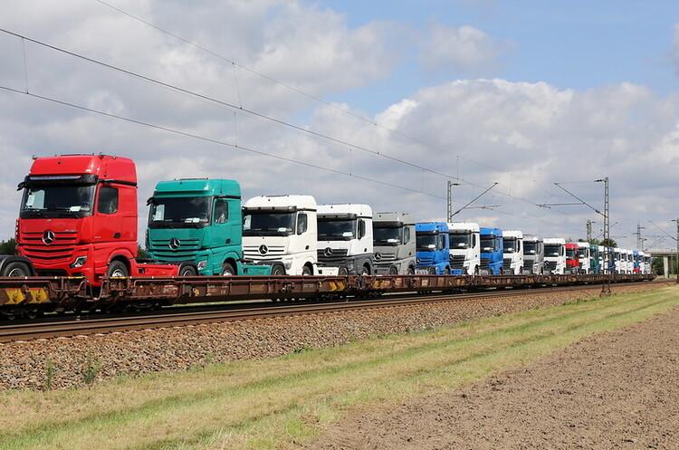 Daimler модернізує свій завод в Китаї для виробництва вантажівок Mercedes