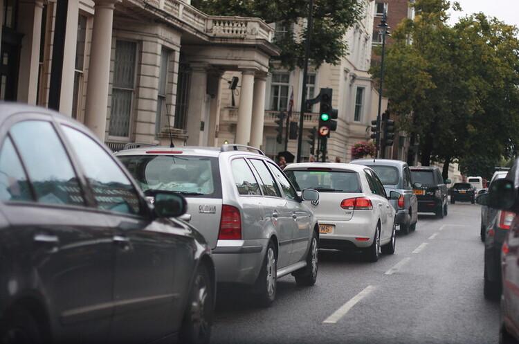 Британія має намір заборонити продаж нових бензинових і дизельних авто в 2030 році – FT
