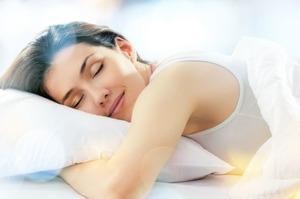 Работают, пока вы спите: 5 лучших ночных масок для лица