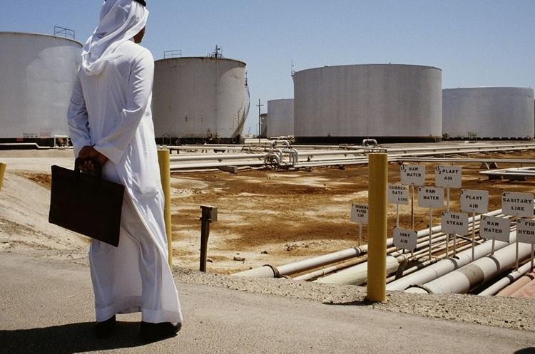Нафтогіганту Saudi Aramco доведеться позичати кошти на ринку для виплати дивідендів