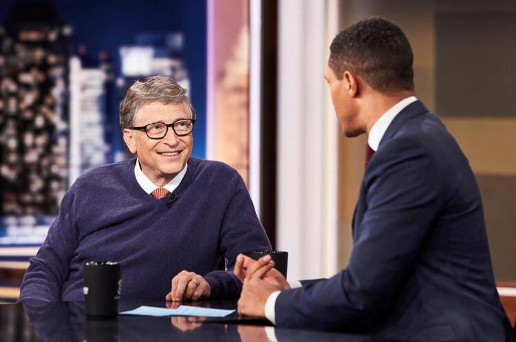 Білл Гейтс порівняв людей, які ходять без масок, з тими, хто ходить без штанів