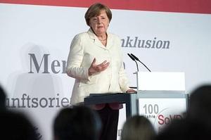 Меркель заявила, що в 2021 році економіку Німеччини очікує сильний підйом
