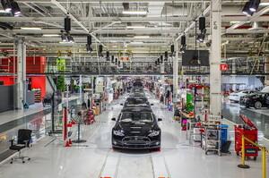 Акції Tesla злетіли до рекорду