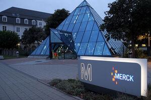 Фармгігант Merck хоче купити за $425 млн виробника перспективних ліків проти COVID-19