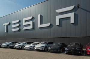 Вартість Tesla вперше в історії перевищила пів трильйона доларів