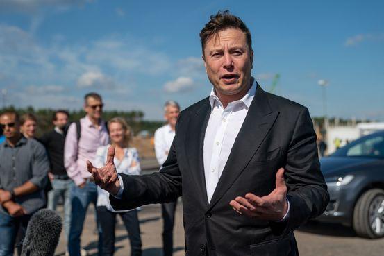 Ілон Маск пообіцяв запустити під Берліном найбільший завод з виробництва акумуляторів
