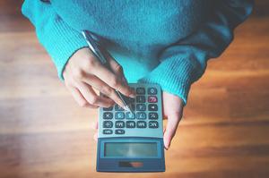 Лише 6% українців знають загальний розмір податків – опитування КМІС