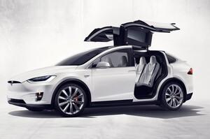 Американський регулятор заявив, що почав розслідування щодо автомобілів Tesla