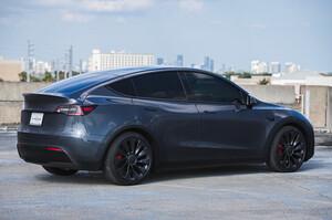 Китай дав Tesla зелене світло на продаж позашляховика Model Y, випущеного в КНР
